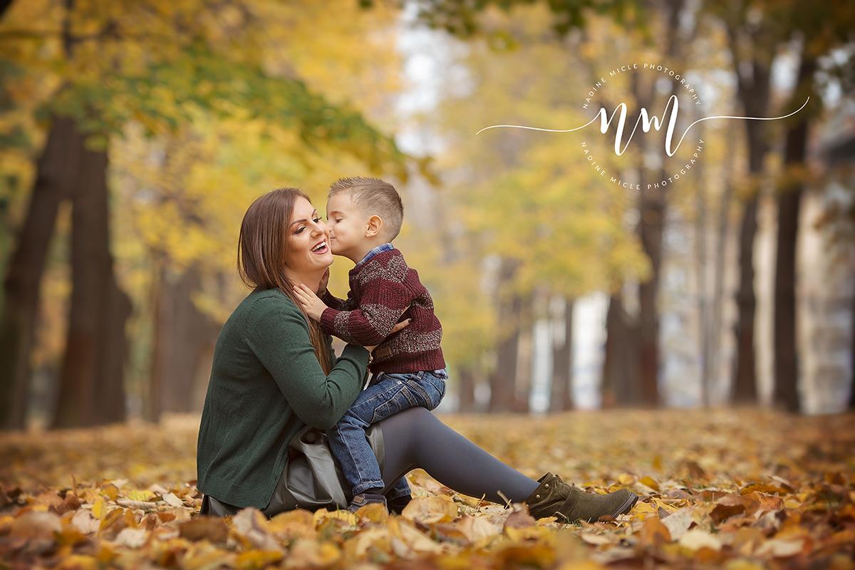 Fotografie mama impreuna cu baiatul
