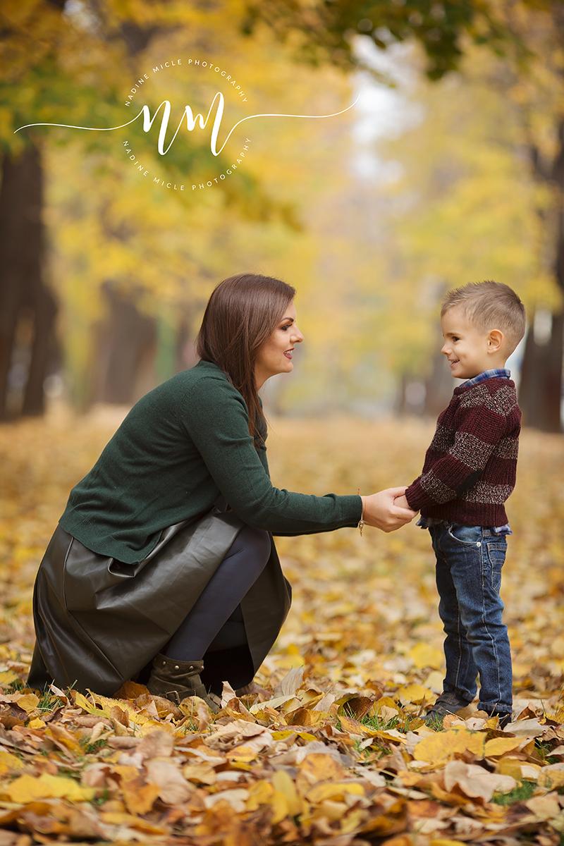 Ședință foto de toamnă pentru copii